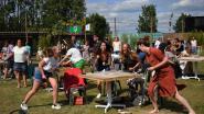 Buren uit Haacht bouwen feestje op Zomerbar Rock Werchter met Compact Disk Dummies