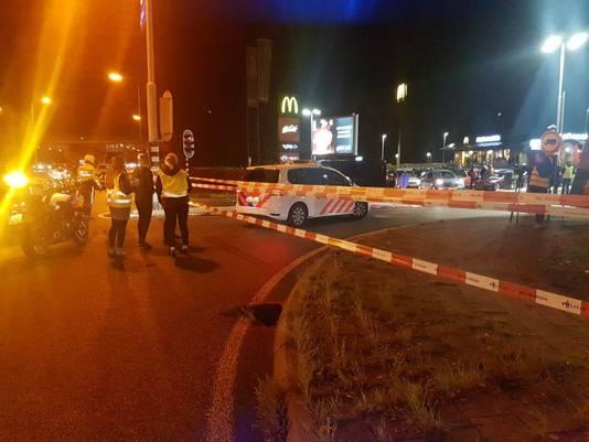 De politie had de weg afgesloten in Doetinchem.