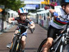 Steeds meer fietsers tijdens Wielerweekend Zevenbergen