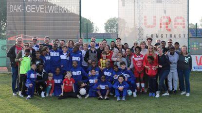 Voetbalclub KSK Sint-Amands ontvangt spelertjes  uit Zuid-Afrika