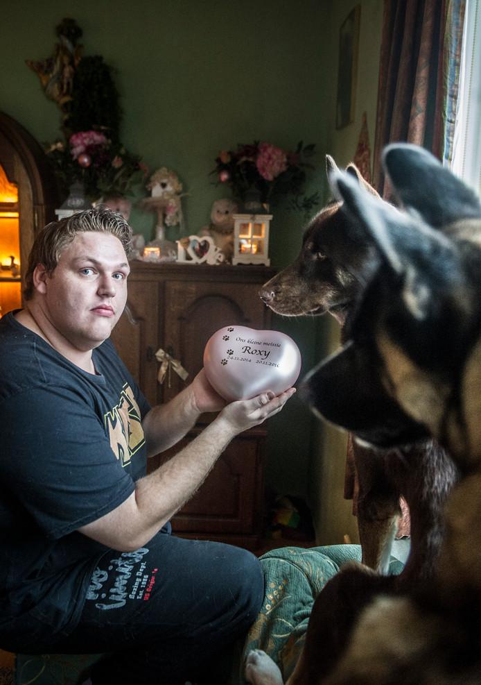 Christiaan Hermans, eigenaar van hond Roxy die door Bravecto zou zijn omgekomen.