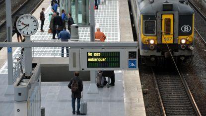 Naamse treinbestuurders sluiten zich aan bij wilde staking