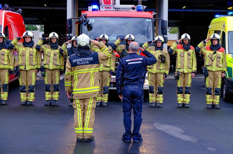 Ook in Kortrijk was er één minuut stilte ter ere van de overleden brandweermannen.