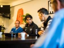 Ex-prof Sijahailatua is opvolger van succestrainer Kaersenhout, die plots stap terug doet bij voetbalsters van Eldenia