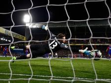 Eriksen houdt Spurs met heerlijke goal in spoor Chelsea