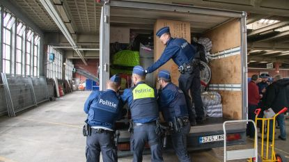 VIDEO. Politie controleert lowcostbussen op drugs, wapens, smokkelwaar, mensenhandel en terrorisme