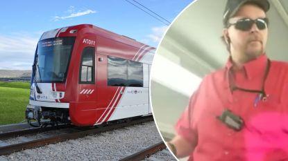 """Amerikaanse treinbegeleider noemt vrouwelijke passagiers """"pornosterren die tampons in elkaar stoppen"""""""