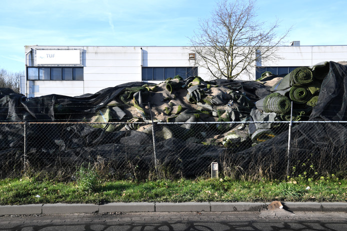 Het bedrijfsterrein van Tuf Recycling in Dongen.