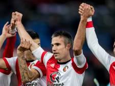 Feyenoord rommelend naar zege bij rentree Van Persie in de Kuip