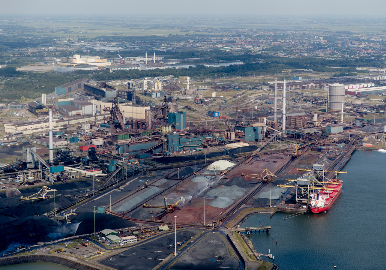 Het huidige fabriekscomplex, zo groot als duizend voetbalvelden.