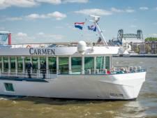 Heumens cruiseschip vertrekt week te laat, wie meevaart drinkt gratis