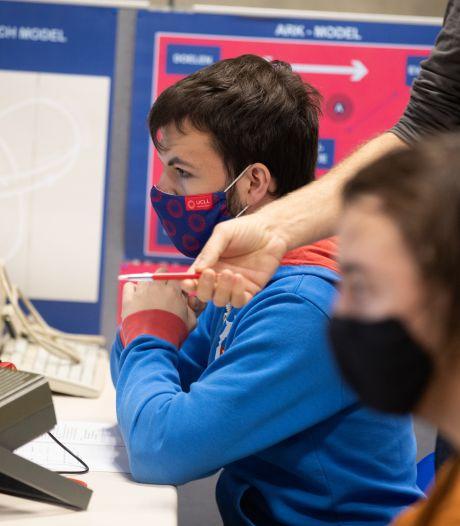 """Studieondersteuning 't Scharnier verliest subsidie van 30.000 euro: """"25 kwetsbare gezinnen komen hiermee in de kou te staan"""""""