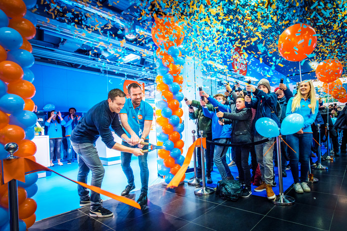 Opening van de grootste Coolblue-winkel van Nederland, CoolBlue XXL, in Den Haag.