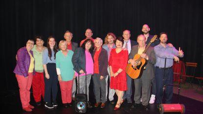 Theater van de Welzijnsschakels en pasta van Lions Ronse - Renaix op Dag van de Armoede