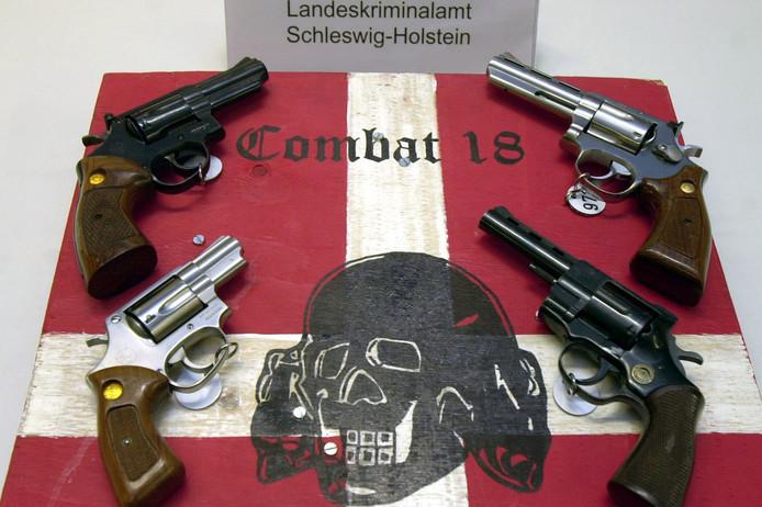 Archiefbeeld: Bij een eerdere inval bij Combat 18 werden al eens wapens in beslag genomen.