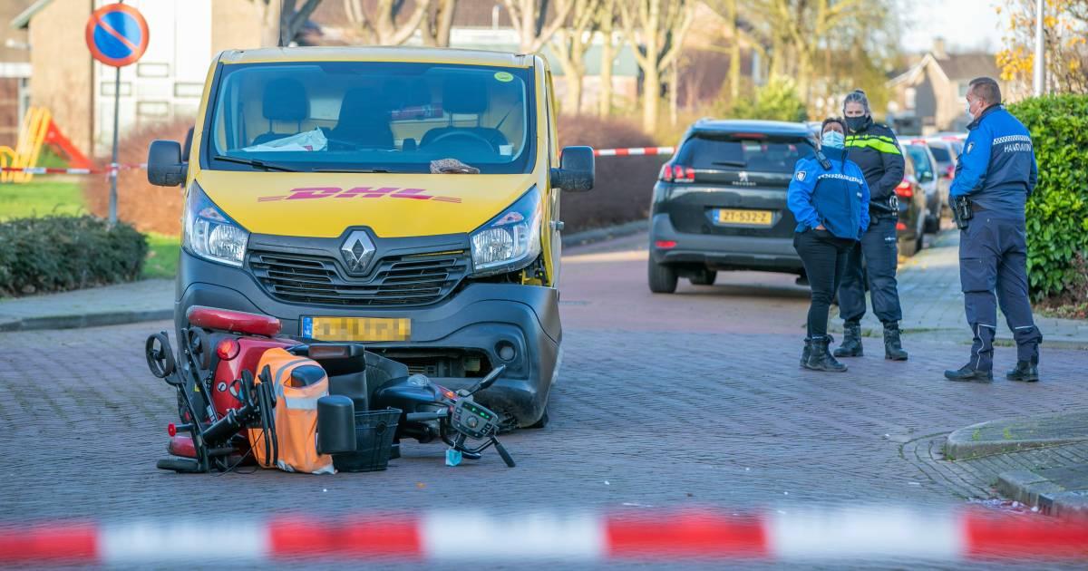 Scootmobieler zwaargewond na ongeluk met pakketbezorger in Elst.