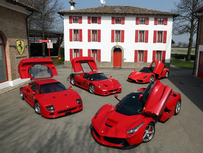 Sportwagens, zoals deze Ferrari's, blijken hun eigenaren het meest sexy te maken.