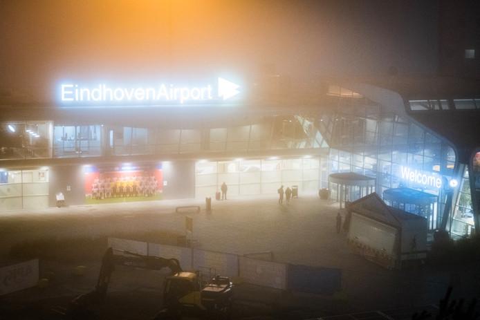 Deze maand werd het vliegverkeer op Eindhoven Airport al verschillende keren stilgelegd door mist.