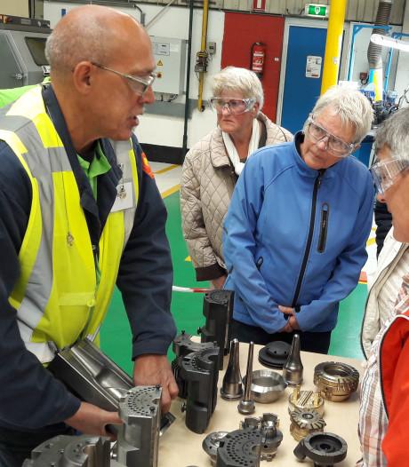Magie van de rode druppels trekt duizenden bezoekers naar glasfabriek Ardagh
