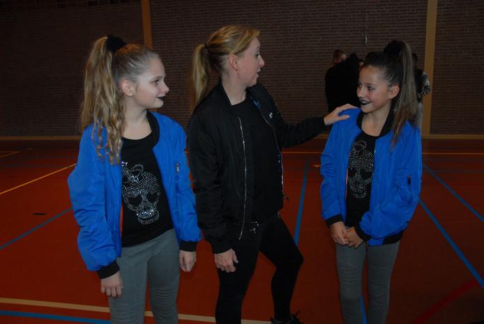 Patricia van Gent wisselde na afloop van de performance van Rebellious nog enkele woordjes uit met de teamleden.