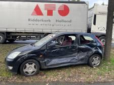 Verkeerslichten knipperen oranje: twee auto's botsen op elkaar in Vught