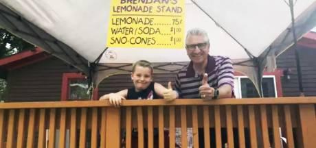 7-jarige Brendan wint 'limonadeoorlog' voor ziek vriendinnetje