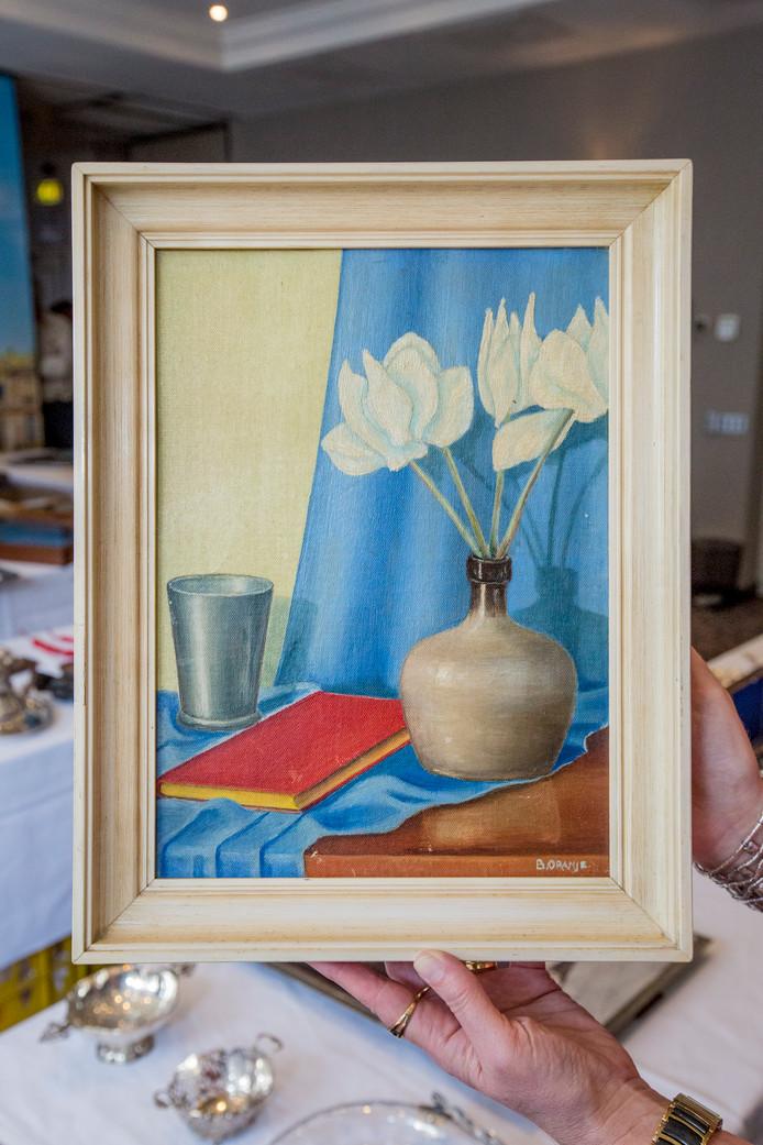 Schilderij gemaakt door Beatrix, het kleine schilderijtje met de bloemen ging voor 1100 euro weg.
