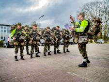 Defensie spijkert 200 instructeurs op kazerne Apeldoorn bij over hitteletsel