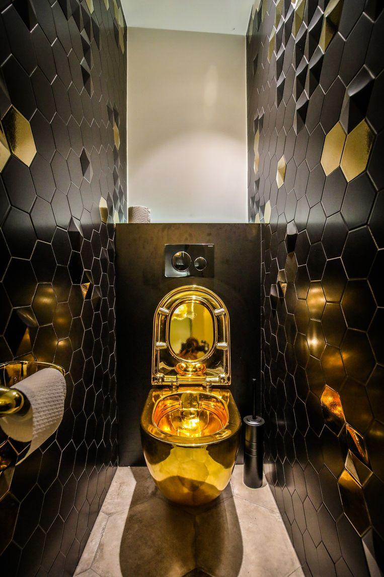 Het gouden toilet.