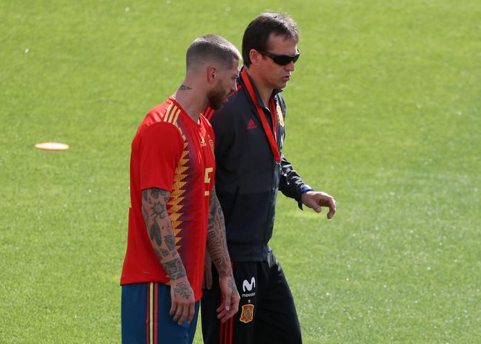 Julen Lopetegui met Real-verdediger Sergio Ramos.
