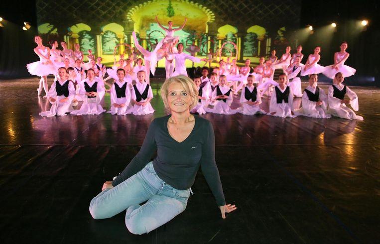 Dansschool Pirouette viert haar 35ste verjaardag met een groots optreden dit weekend in Kortrijk Xpo. Hier zien we de leden met vooraan Pascale Langedock.