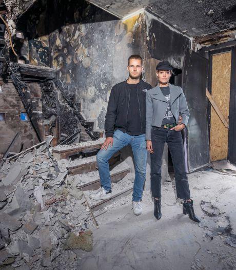 Jong stel ziet droomhuis in vlammen opgaan na halfjaar klussen: 'Eerste paar dagen huilend doorgebracht'