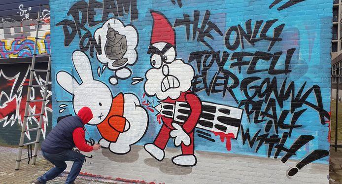Met Nijntje in de hoofdrol is ergens in Rotterdam de eerste stap gezet in de graffitistrijd voor de bekerfinale.