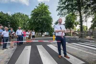 Dorpstraat in Ulvenhout, nu ook officieel heropend