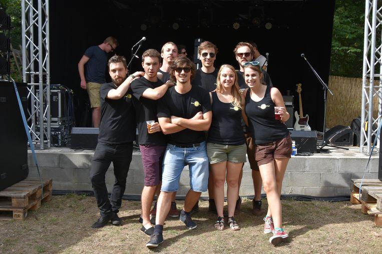 Lukas Schillebeeckx (midden) bij de organisatie van het Tonzent Live Outdoor Festival van enkele jaren geleden.