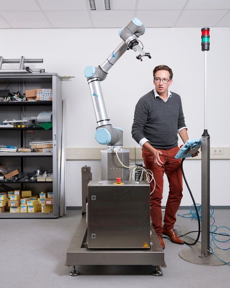 Mark Menting: 'Feitelijk maakt het niet uit of je een uitzendkracht of onze robot moet instrueren.' Beeld Erik Smits