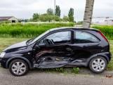Twee mannen gewond door botsing op Logistiekweg in Oosterhout