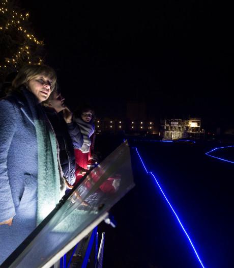 Loop stadsgracht Iseldoks Doetinchem gemarkeerd met blauw licht