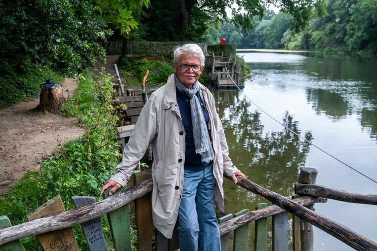 Berucht kapper Werner Dupon toont ons het groengebied rond het Brialmontfort van Mortsel.