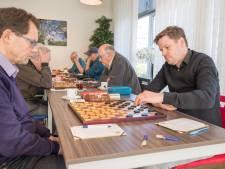 Arjo Kousemaker begint als koploper aan de slotronde van het ZK dammen
