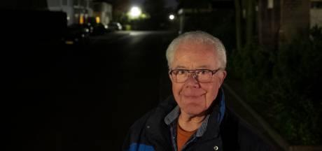 """Deurnenaar strijdt tegen weggehaalde lantaarnpalen: ,,Stop de Deurnese duisternis"""""""