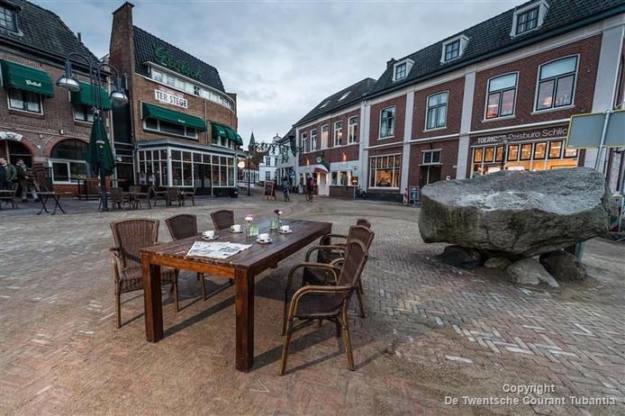Wie schuift er aan? De redactie Noordoost-Twente van De Twentsche Courant Tubantia zoekt (minimaal) 30 lezers uit de gemeenten Oldenzaal, Dinkelland en Losser die deel uit willen maken van ons lezersforum.