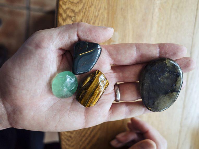Dervish is gespecialiseerd in new-ageboeken en helende kristallen. Beeld Dim Balsem