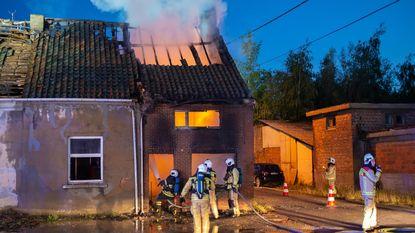 Brand in leegstaand huis wellicht aangestoken