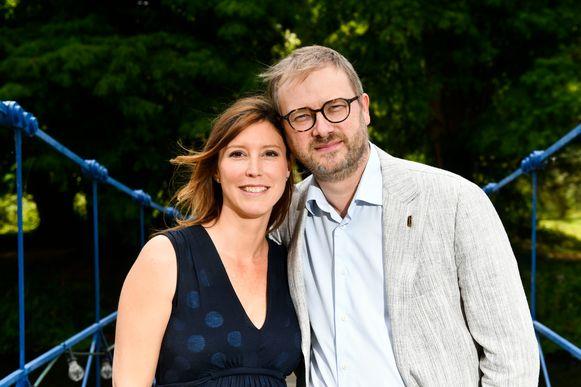 Burgemeester Dimitri Van Laere en schepen Caroline Vermeulen verwachten eind november een zoontje.