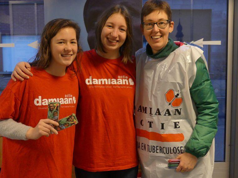 Lena, Margot en Inge in actie voor Damiaanactie.