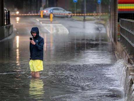 Blikseminslag en overgestroomde wegen, onweer zorgde vooral voor overlast in Zuidoost-Brabant
