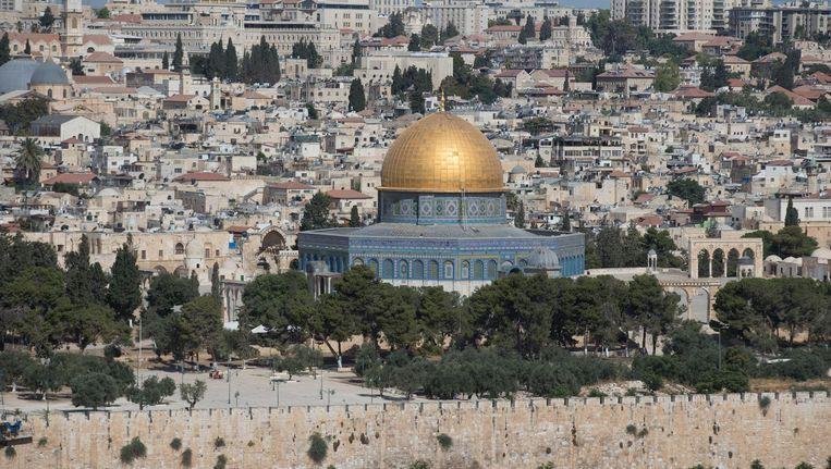 De beroemde Tempelberg in het oude gedeelte van Jeruzalem, met de Al Aqsa-moskee. Beeld EPA