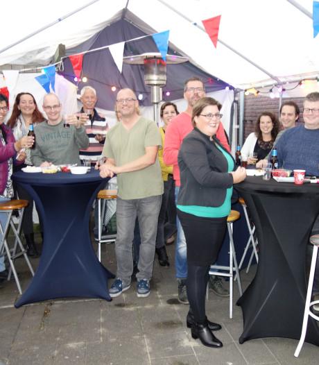 Barbecue en karaoke verbindt De Muzenkanten in Beek en Donk