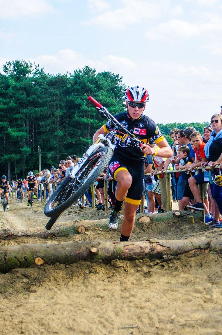 Van de allerjongsten tot de profs, alle Telenet-Fidea-renners testten het gloednieuwe Sven Nys-cyclingparcours op de Balenberg uit, ook zoon Thibau Nys.